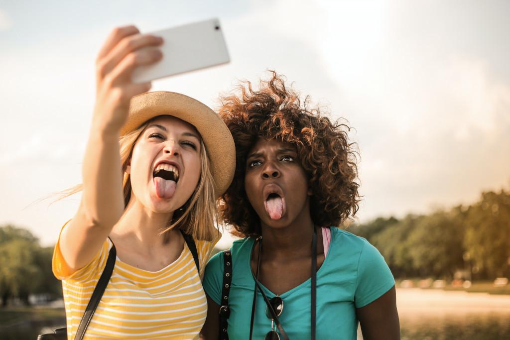 Jugendsprache 2021: Definition und kleines Wörterbuch