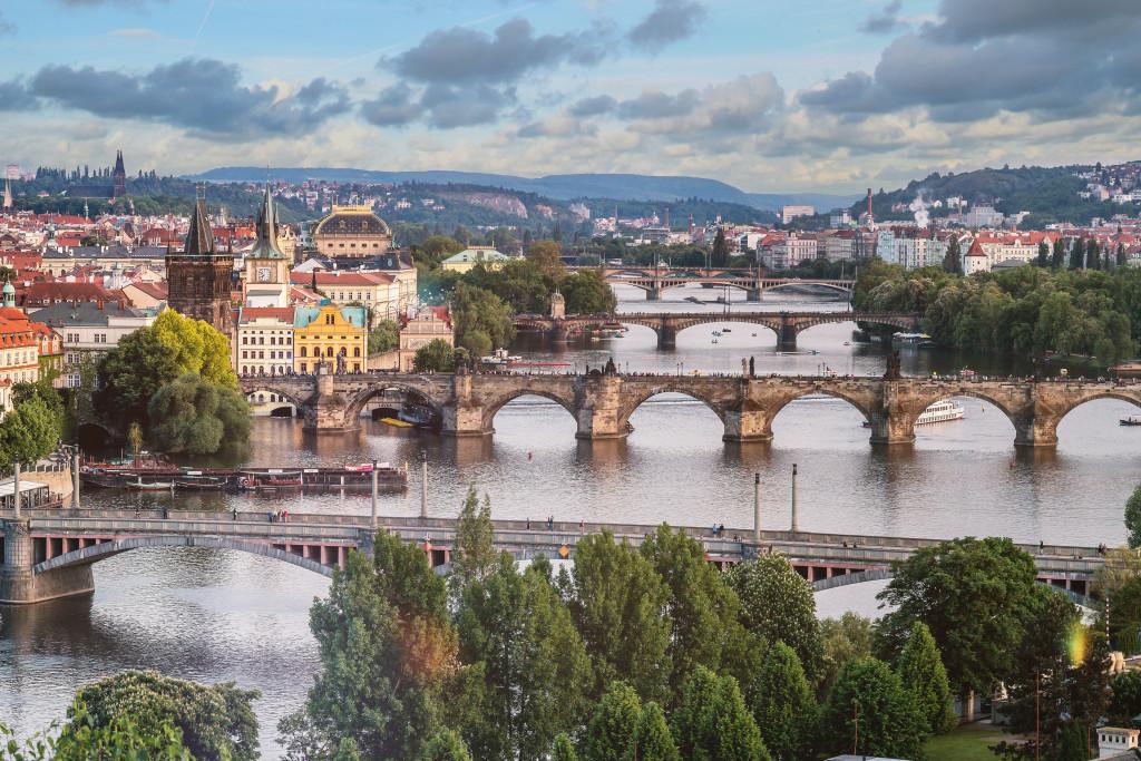 Prag: die berühmten Brücken über die Moldau