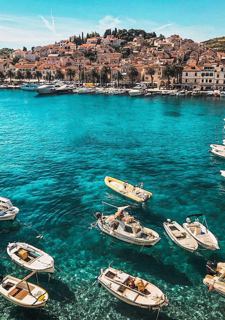 Boote im kroatischen Meer