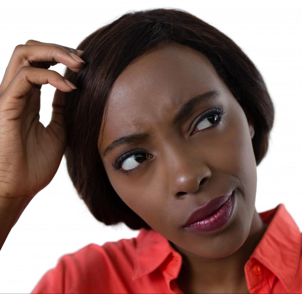 Eine Afrikanerin ärgert sich.