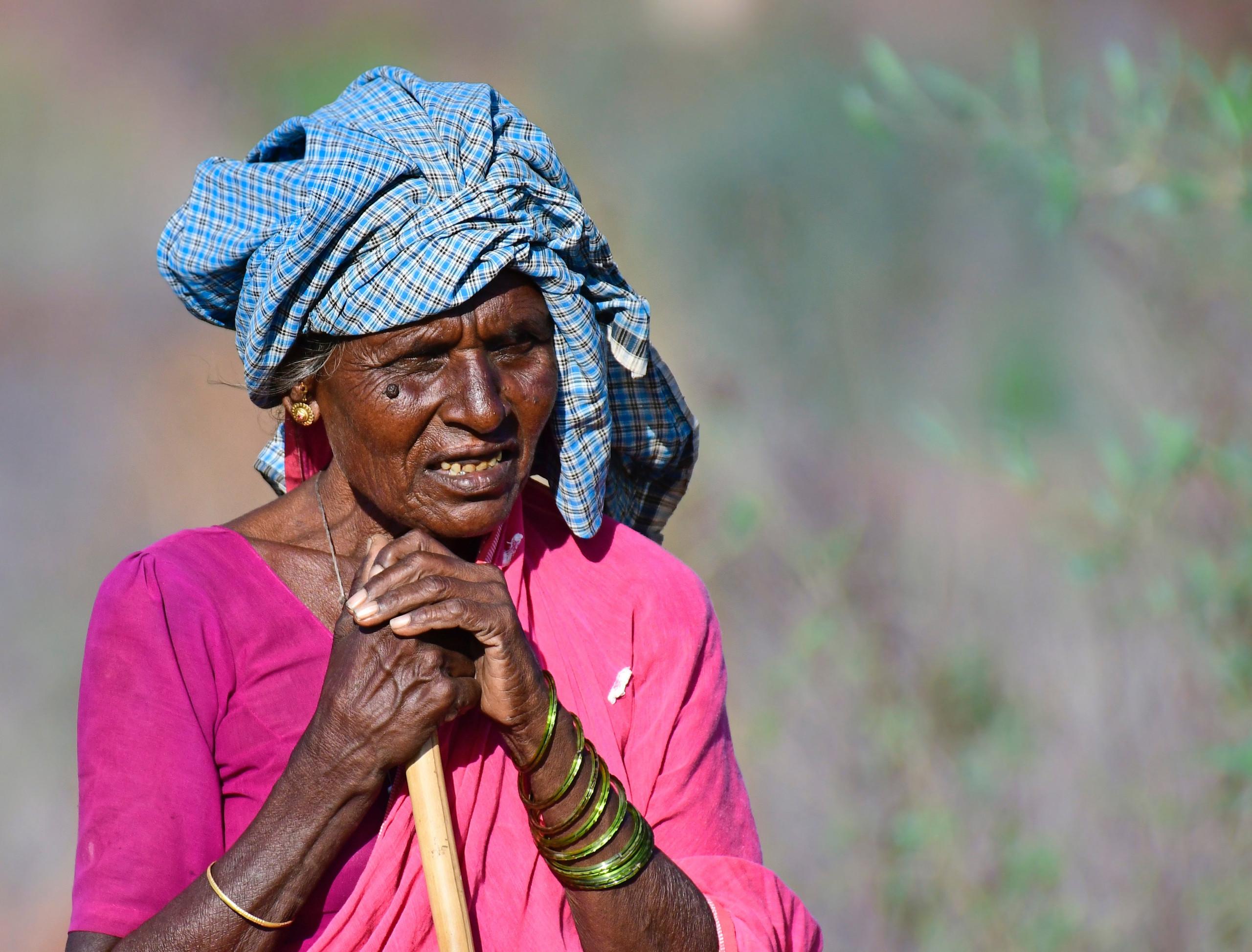 Ein weibliches Mitglied eines Aborigines Stamm