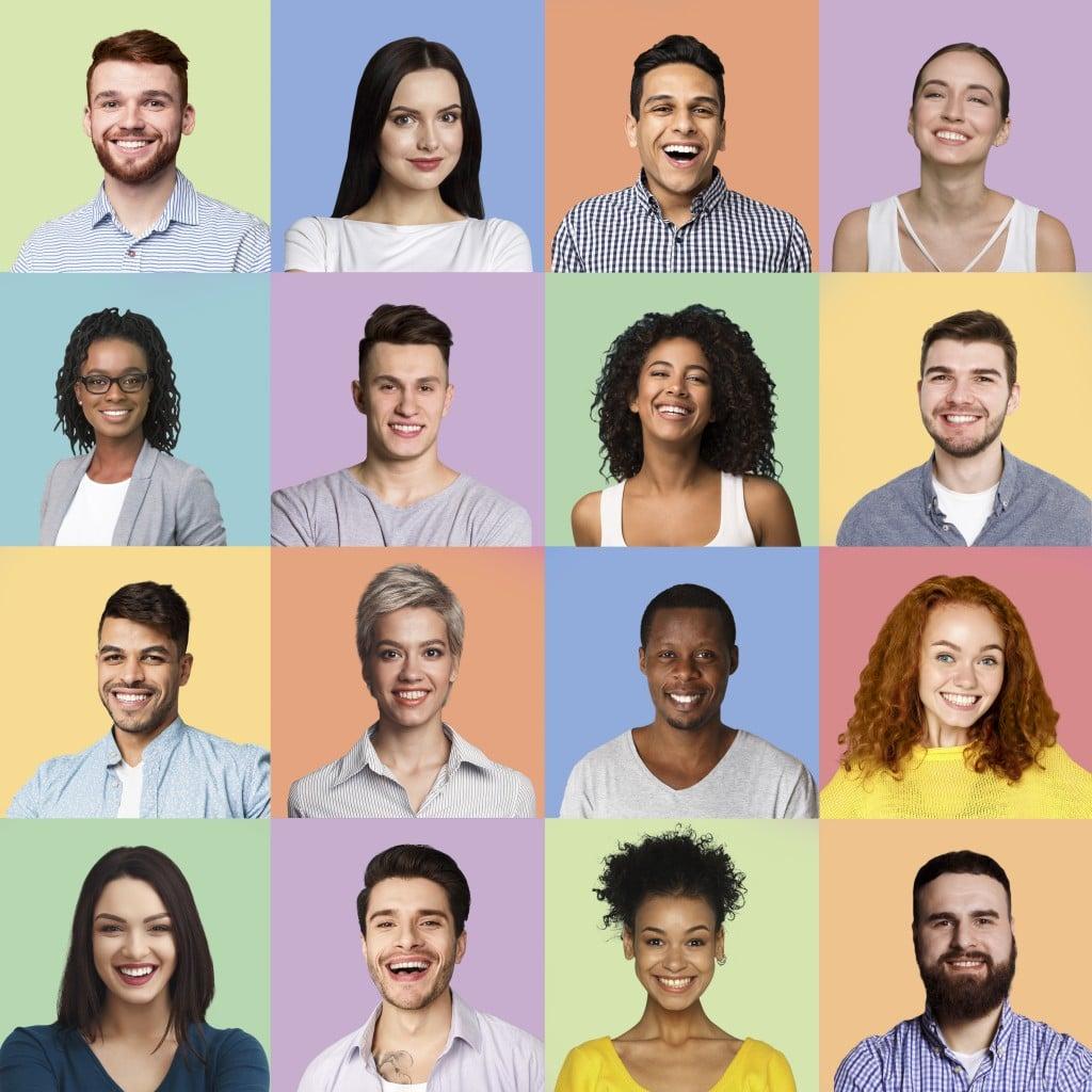 Ein quadratisches Bild mit einem Mosaik von gesichtern von Menschen mit unterschiedlicher Herkunft